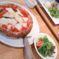 cafe and dining オアシスのサムネイル